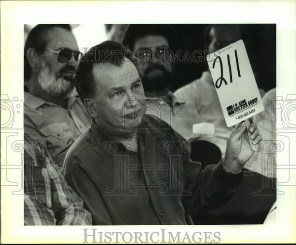 1992 Press Photo Charlie Thomas, winning auction bidder for Red McCombs' ranch - Historic Images