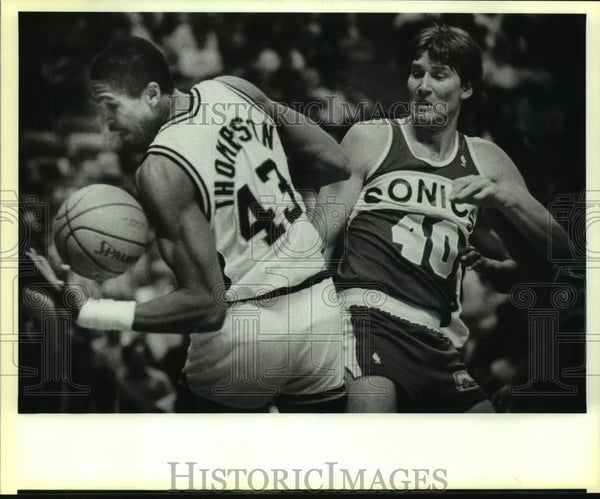 1986 Press Photo San Antonio Spurs and Seattle SuperSonics play NBA basketall - Historic Images