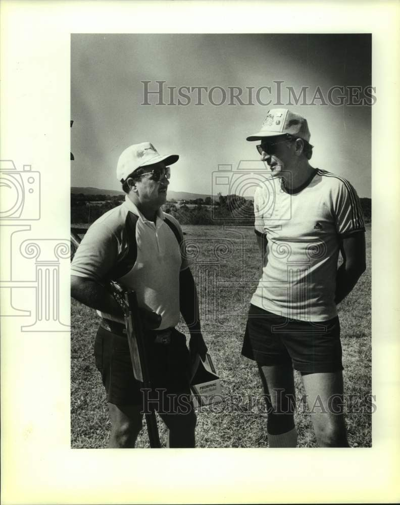 1986 Press Photo Trap shooters Wayne Mayes and Adrian Couseus - sas16641 - Historic Images