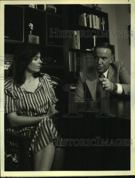 1978 Press Photo Southern Cal football coach John Robertson with Linda Ellerbee - Historic Images