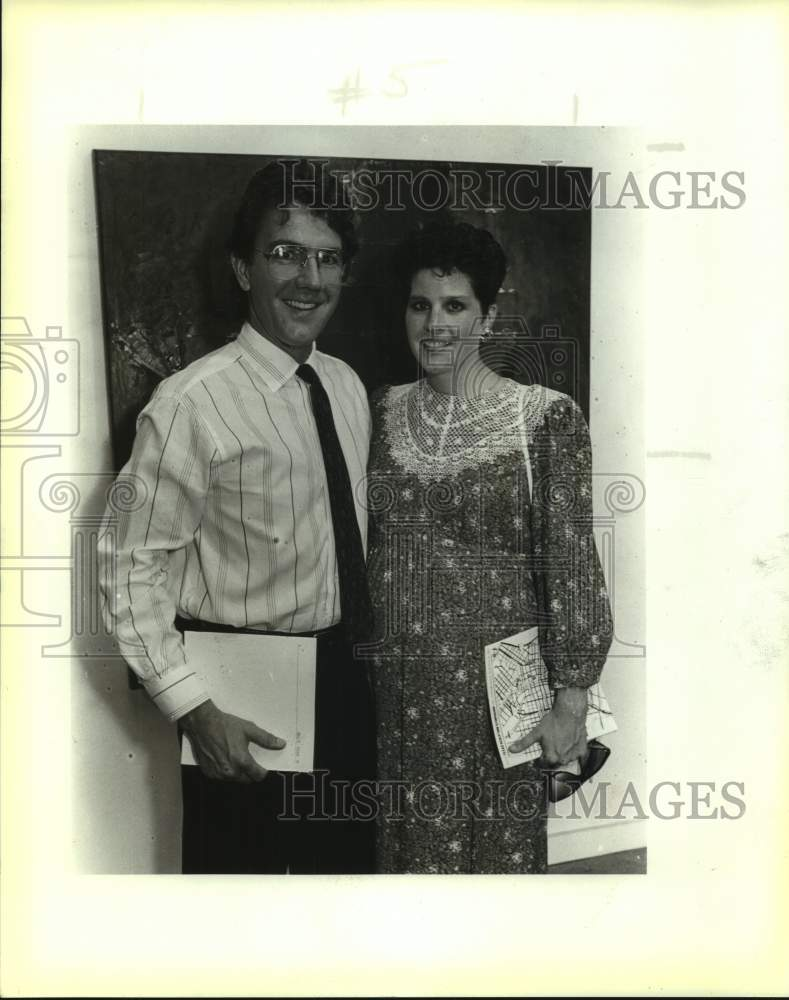 1987 Press Photo David and Becky Schmidt, Blue Collar Gallery art opening - Historic Images