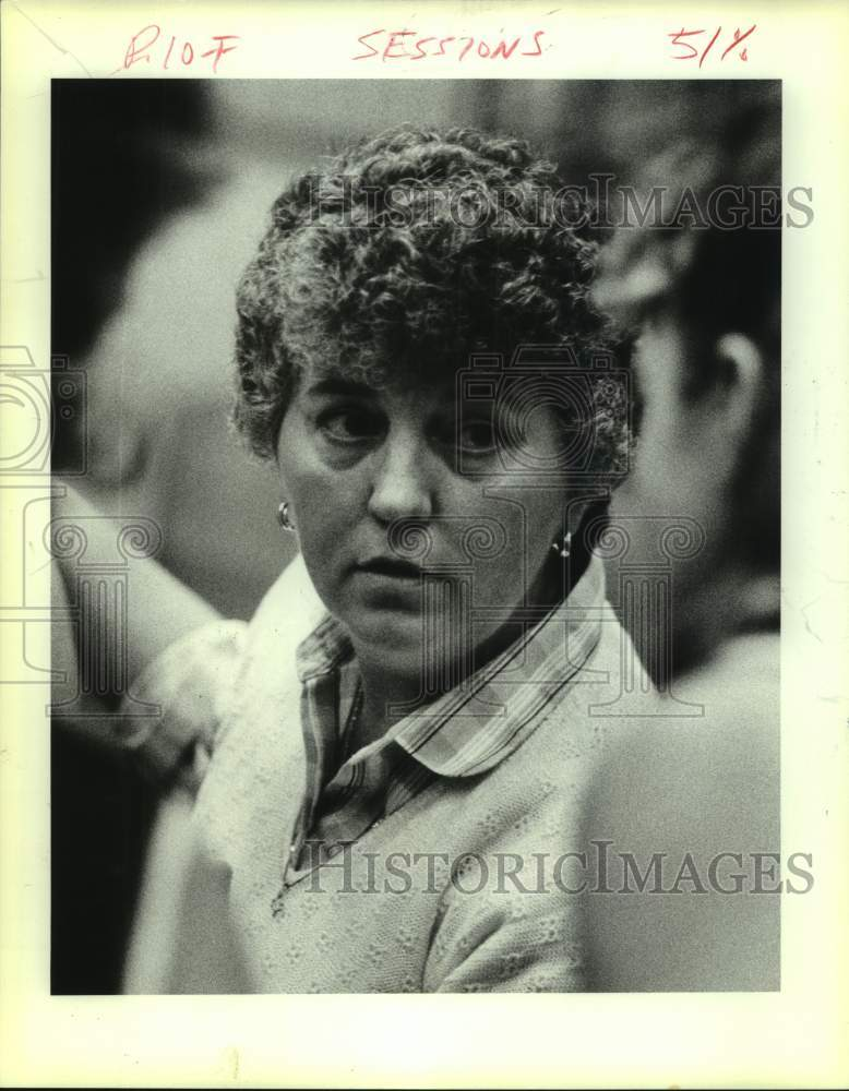 Press Photo Devine girls high school basketball coach Gayle Sessions - sas16974 - Historic Images