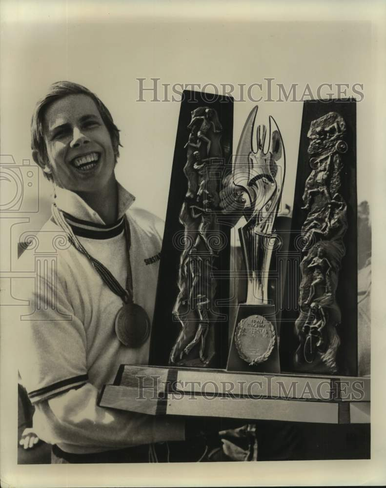 Press Photo Kyle Rote Jr. with medal and trophy - sas17026 - Historic Images