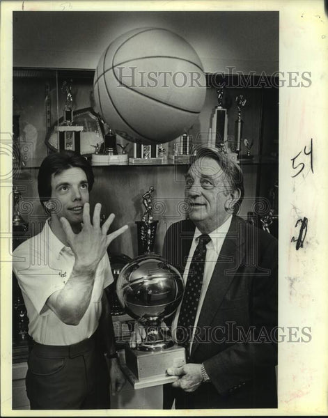1985 Press Photo Father-son basketball coaches Jimmy and Jimmy Littleton - Historic Images