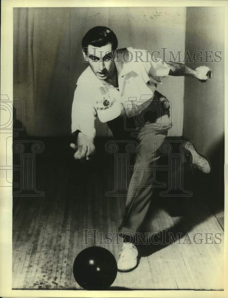 "1980 Press Photo Bowler Carmen Salvino in NBC's ""Legends of Bowling"" - sas17189 - Historic Images"