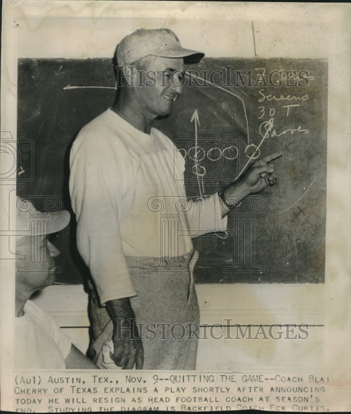 Press Photo Coach Cherry of TX Explains Play After Announcing His Resignation - Historic Images