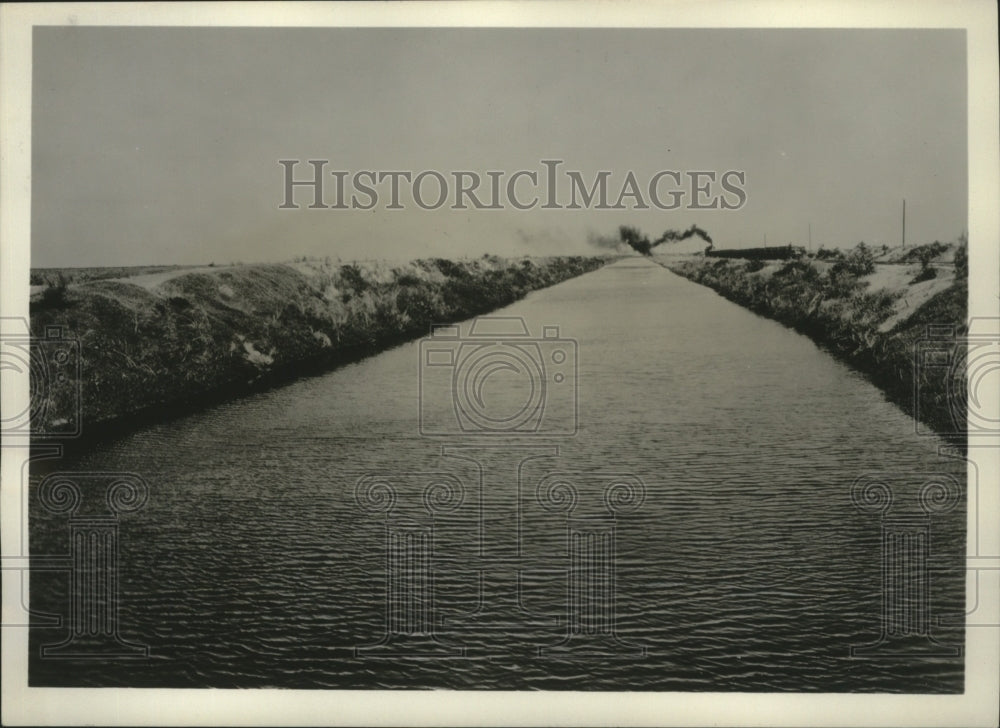 1929 Press Photo Eighty foot drainage canal installed by Southern Sugar Company - Historic Images