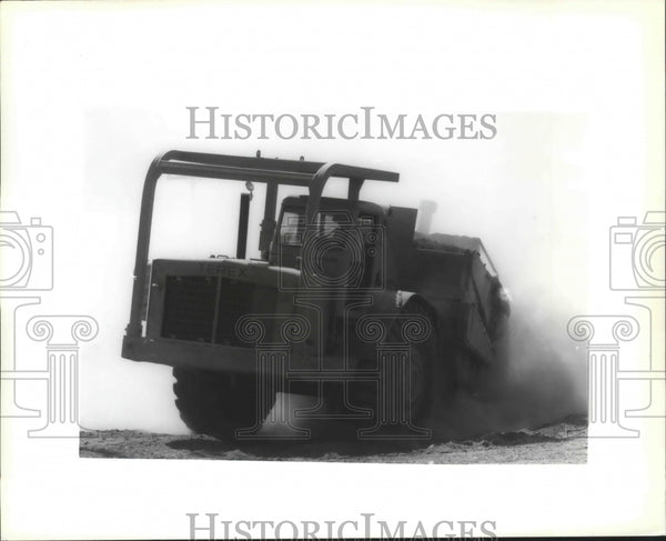1992 Press Photo Machinery-Construction equipment at Bigelow Gulch Road upgrade - Historic Images