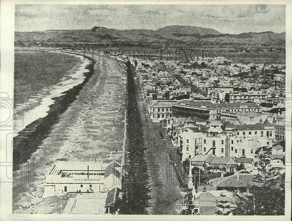 1921 Press Photo Looking down the coast of Napier, New Zealand before Earthquake - Historic Images