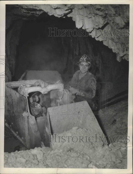 Press Photo Workers Using Mining Machine - Historic Images