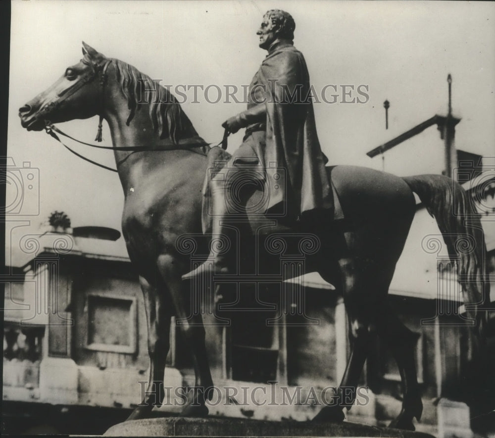 1929 Press Photo The Duke of Wellington's statue at the Bank in London - Historic Images