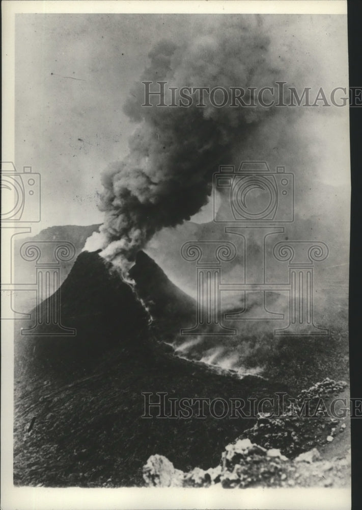 1929 Press Photo Mt. Vesuvius Burst Into Eruption-60 foot wide lava flow - Historic Images