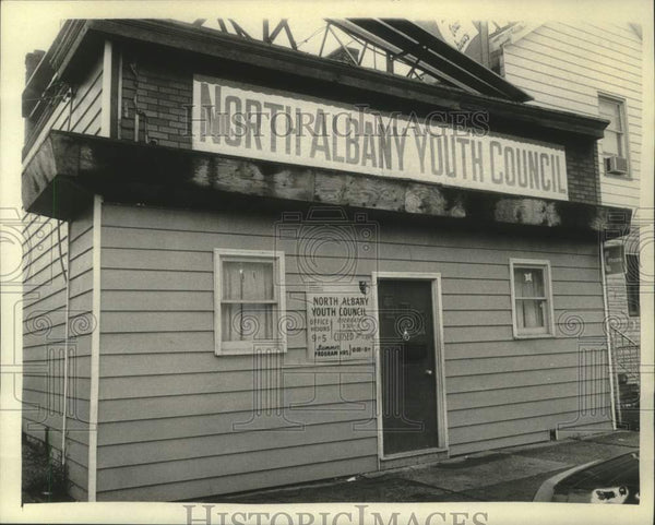 1975 Press Photo Exterior view of the North Albany, New York Youth Council - Historic Images