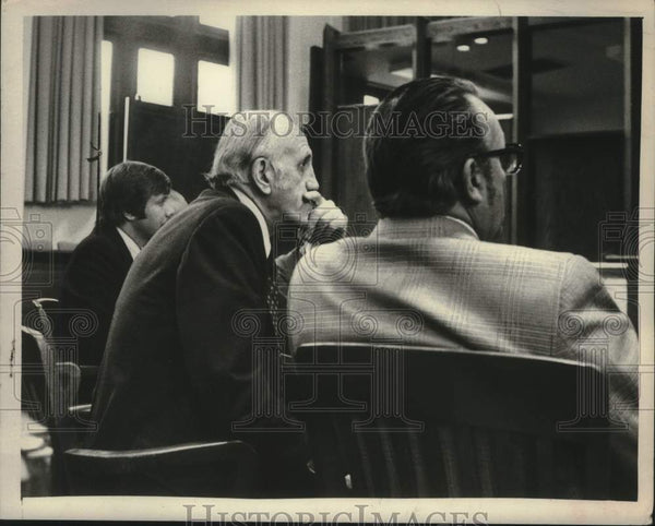 1975 Press Photo New York Civil Service Employees union president Theodore Wenzl - Historic Images