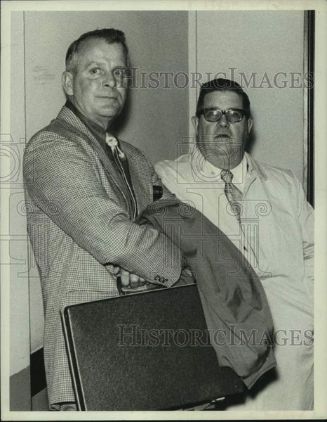 1978 Press Photo Albany, NY area school officials Harvey Nelson & Bernie Welch - Historic Images
