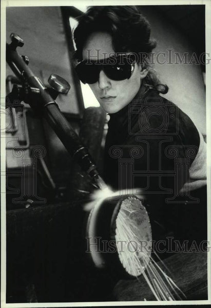 1990 Press Photo Viki Hamm trains at Modern Welding school, Schenectady, NY - Historic Images