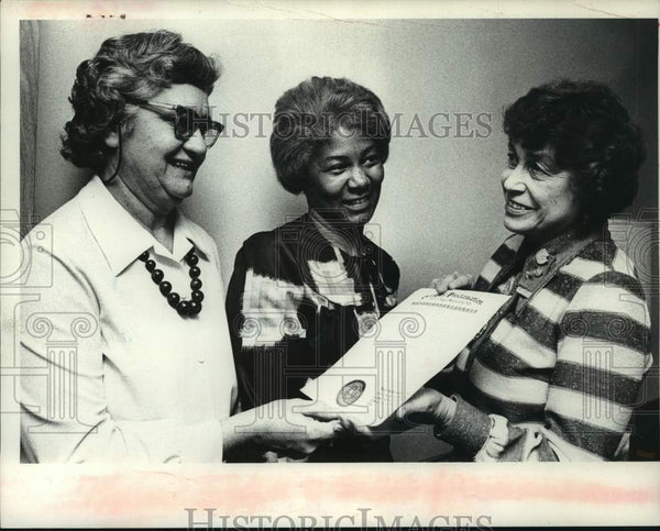 1975 Press Photo Helen Quirini, Georgetta Dix, Eleanor Watrous, Schenectady, NY - Historic Images