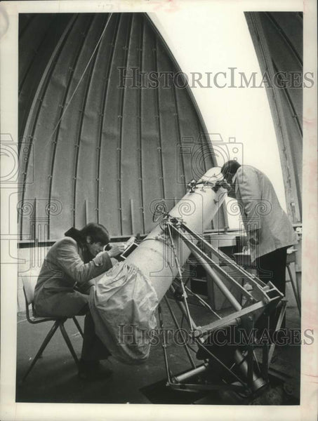 1981 Press Photo Glenville High School, Scotia, NY Astronomy Club members - Historic Images