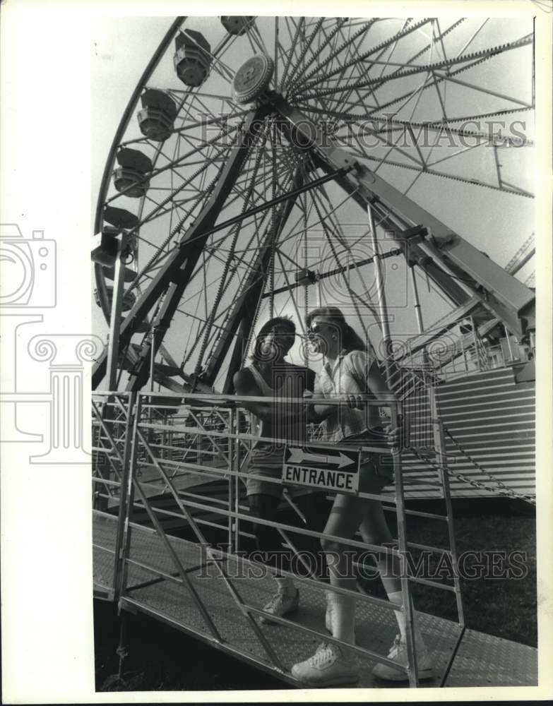 1991 Press Photo Vent Lagon & Dee Sweet at Schaghticoke, New York Fair - Historic Images