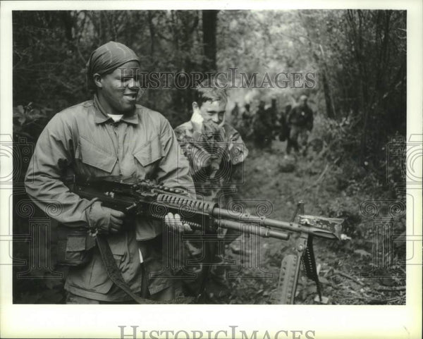 1993 Press Photo Students fire rifle at Stratton Air National Guard base - Historic Images