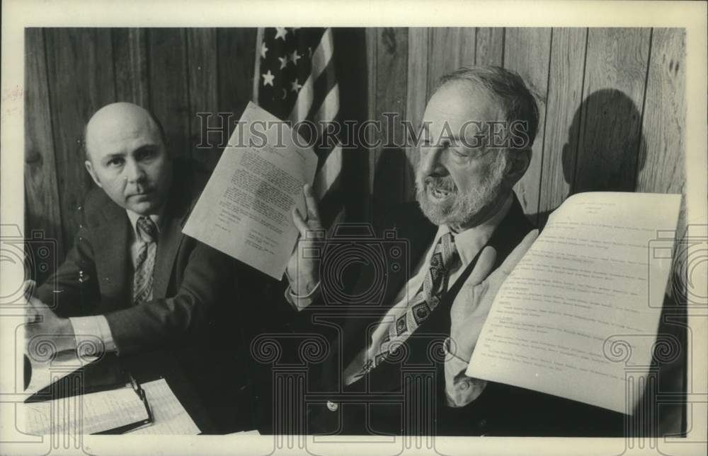 1980 Press Photo Edward Sargent Jr. speaks to GOP members at meeting in New York - Historic Images