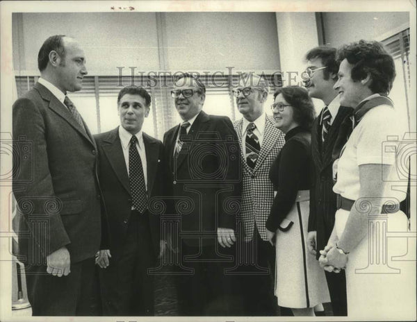1976 Press Photo Schenectady County Board of Representatives gather together - Historic Images