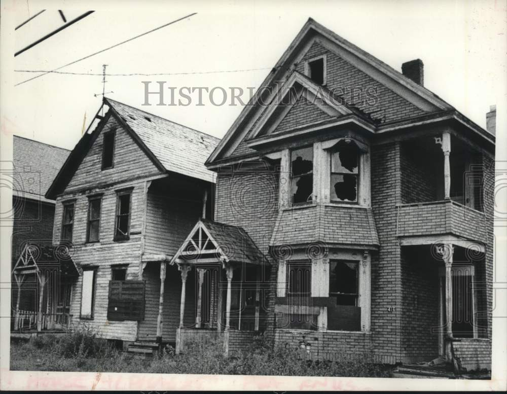 1977 Press Photo Abandoned homes on Summit Avenue in Schenectady, New York - Historic Images