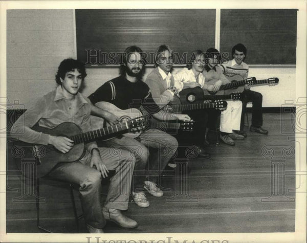 1983 Press Photo Schenectady County Community College music students in New York - Historic Images