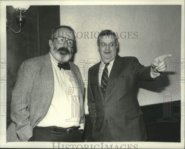 1983 Press Photo Television executives meet at Century House in Latham, New York - Historic Images