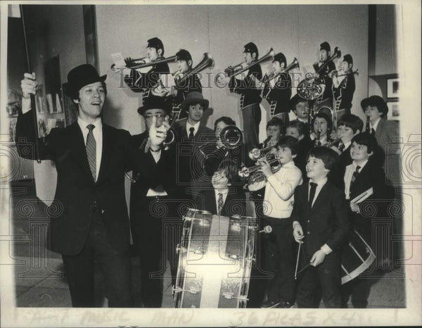 Press Photo William Hatch leads band at New York State Museum in Albany - Historic Images