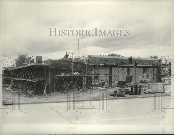 1980 Press Photo Construction of new fire station in Schenectady, New York - Historic Images