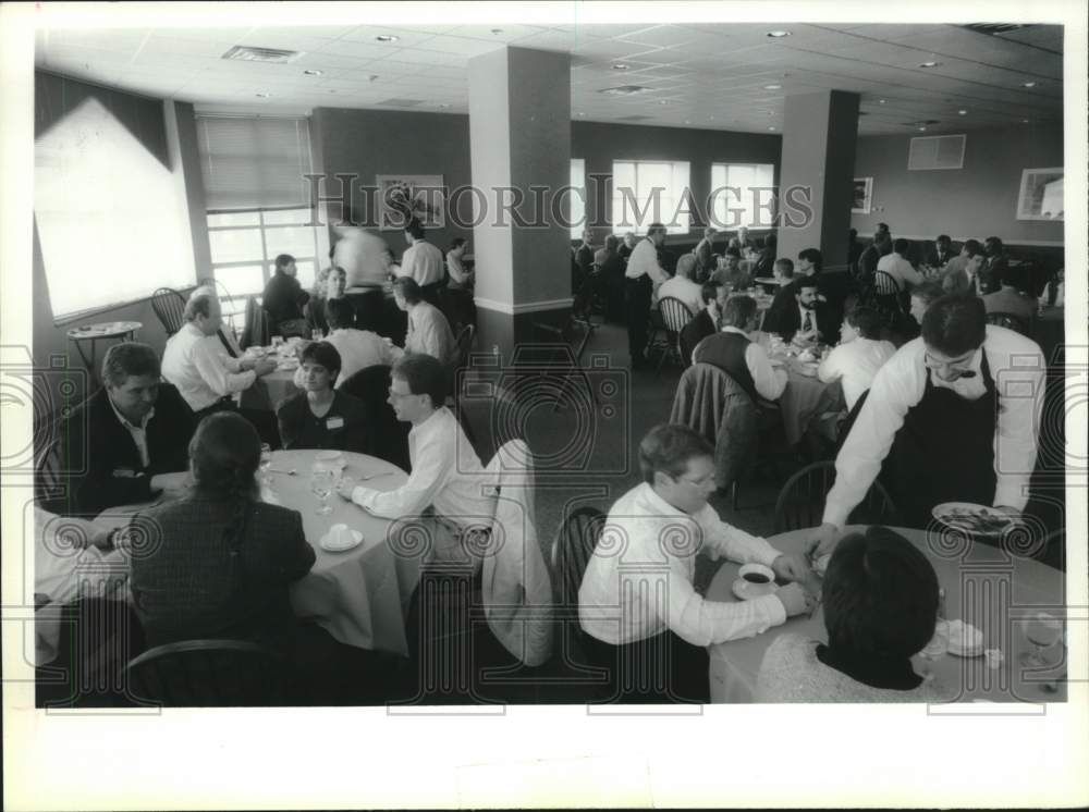 1993 Press Photo Matteo Casola Dining Room, Schenectady, NY Community College - Historic Images