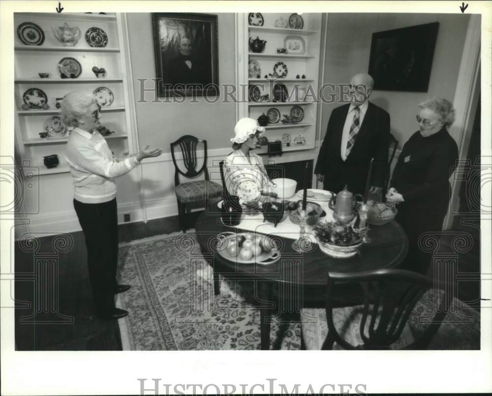 1993 Press Photo Christmas exhibit, Schenectady, New York Historical Society - Historic Images