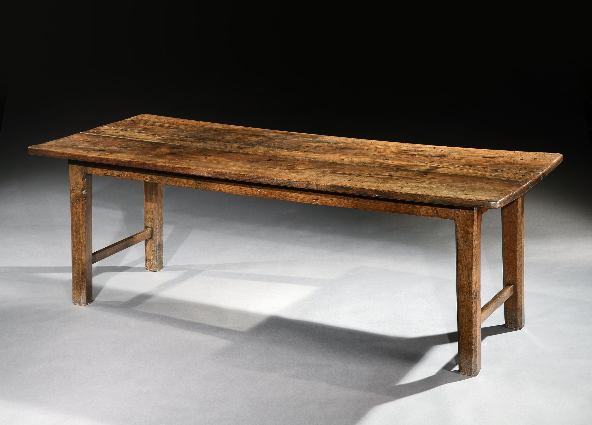 Traditional Primitive Farmhouse Dining Table