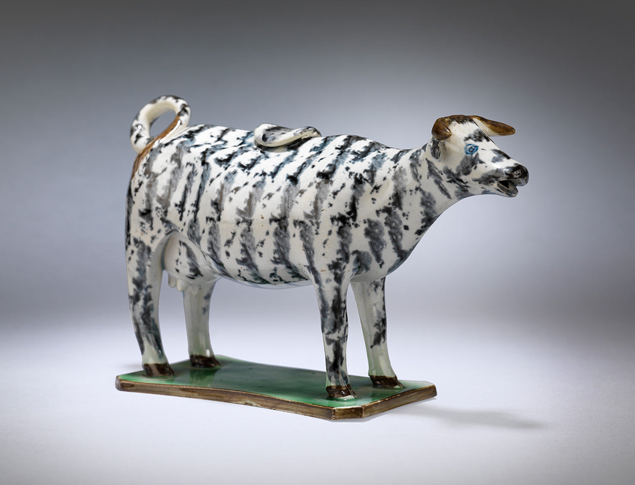 Delightful Early Pearlware Cow Creamer