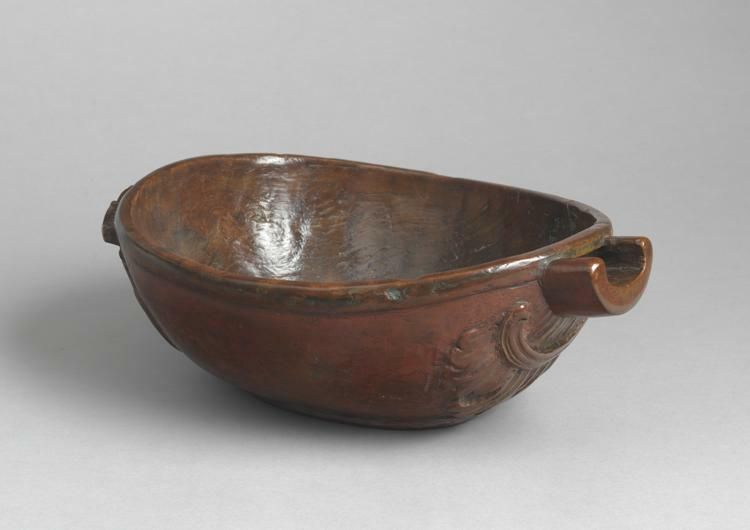 Fine Spouted Ceremonial  Ale Bowl