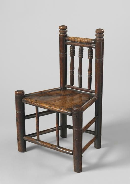Early Georgian Yew Wood Windsor Bow Back Armchair