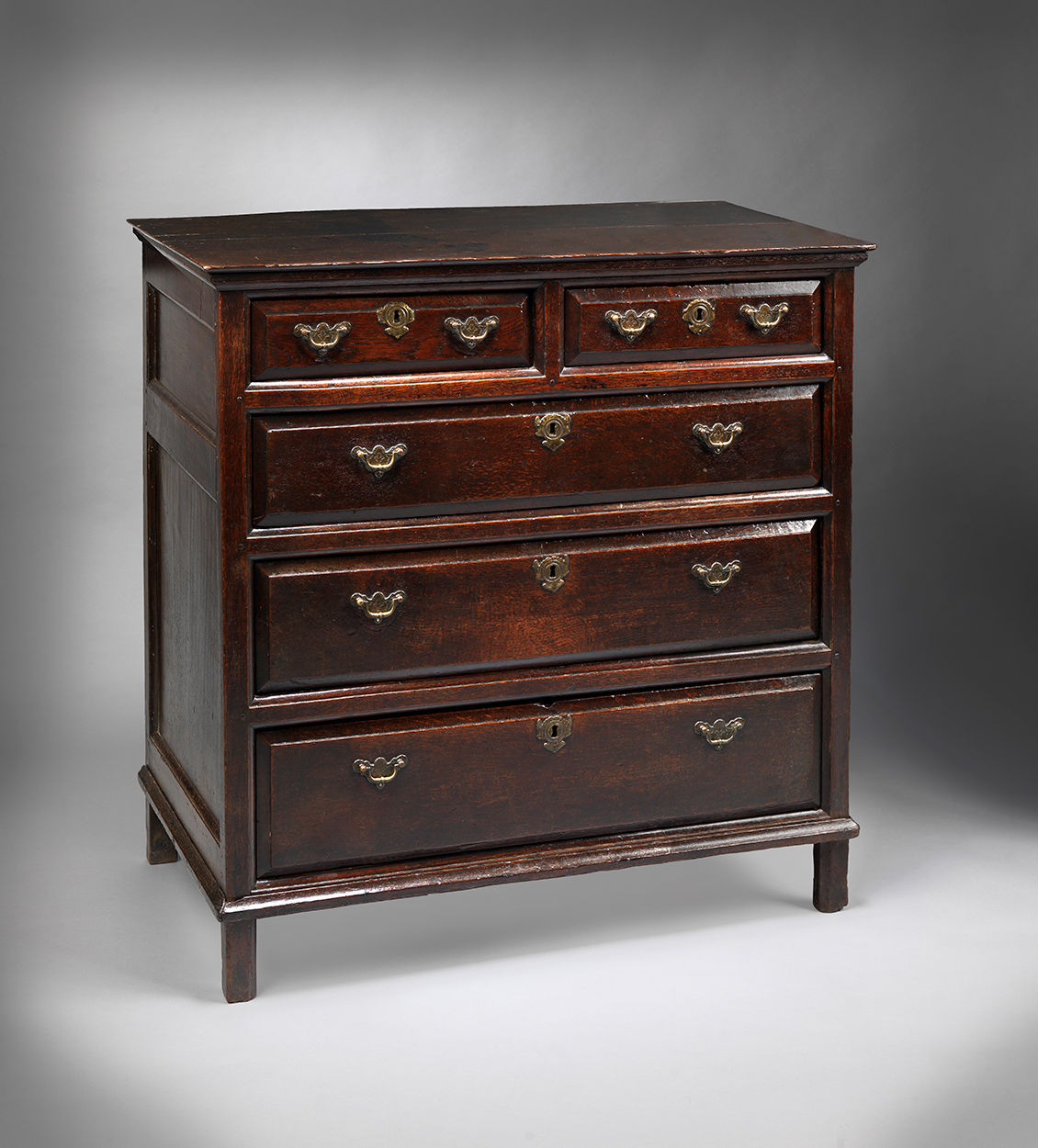 Fine Queen Anne Chest of Drawers