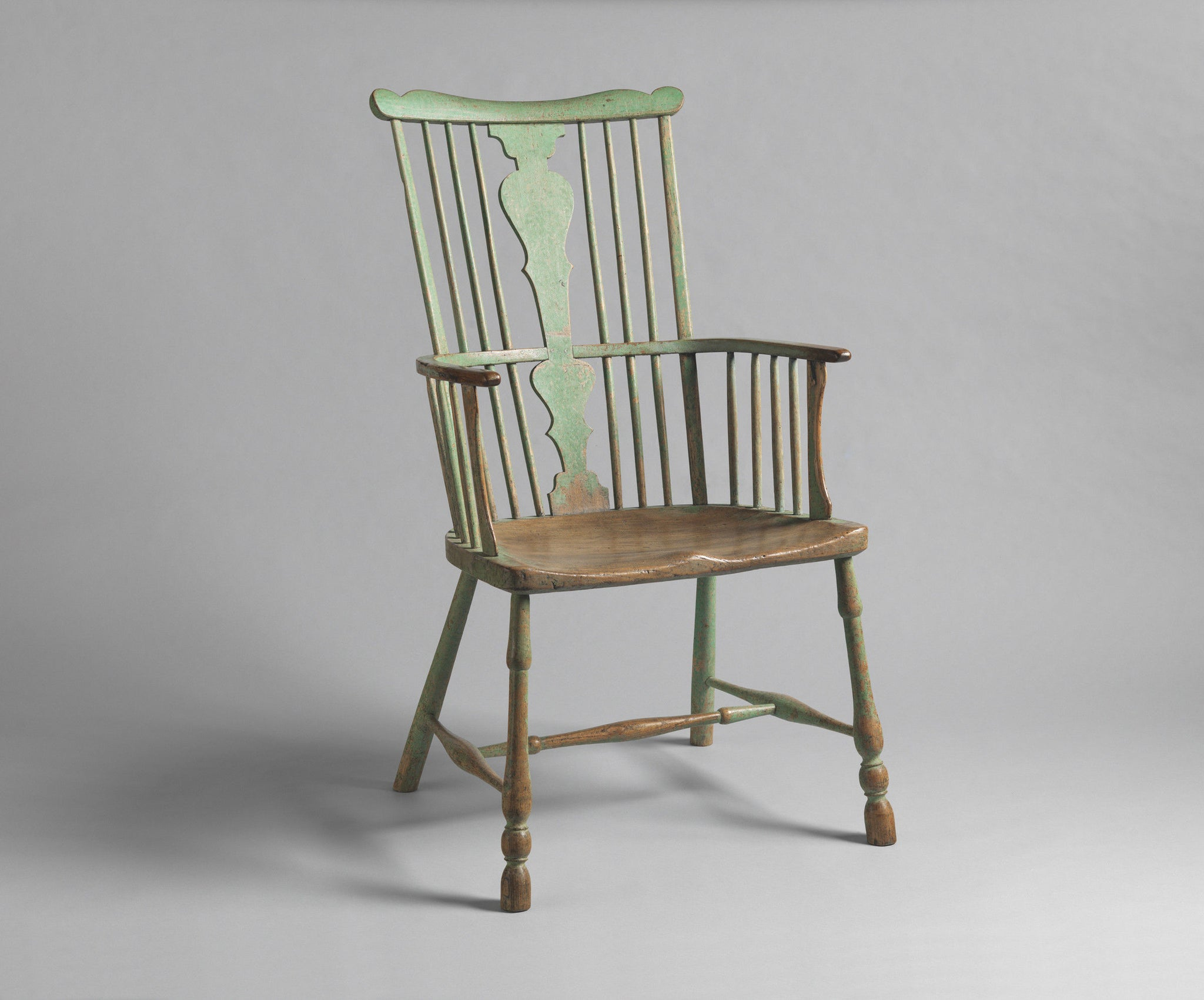 Classic Early Splat and Comb Back Windsor Armchair