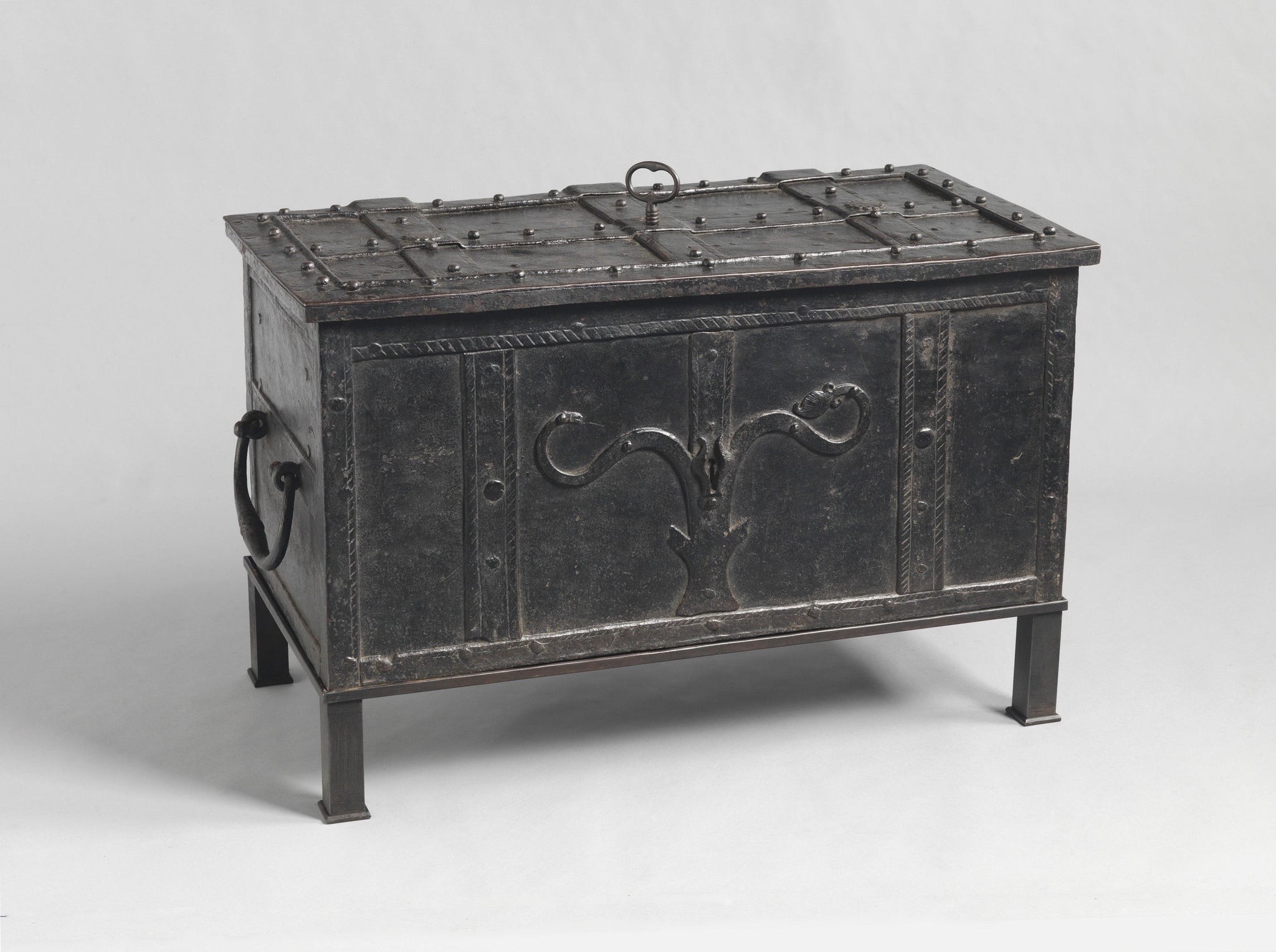 Exceptional Early Strongbox or 'Armada Chest'