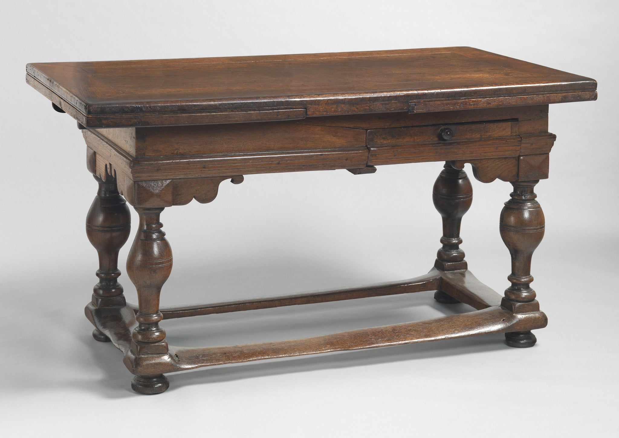 Magnificent Baroque Period Draw Leaf Table