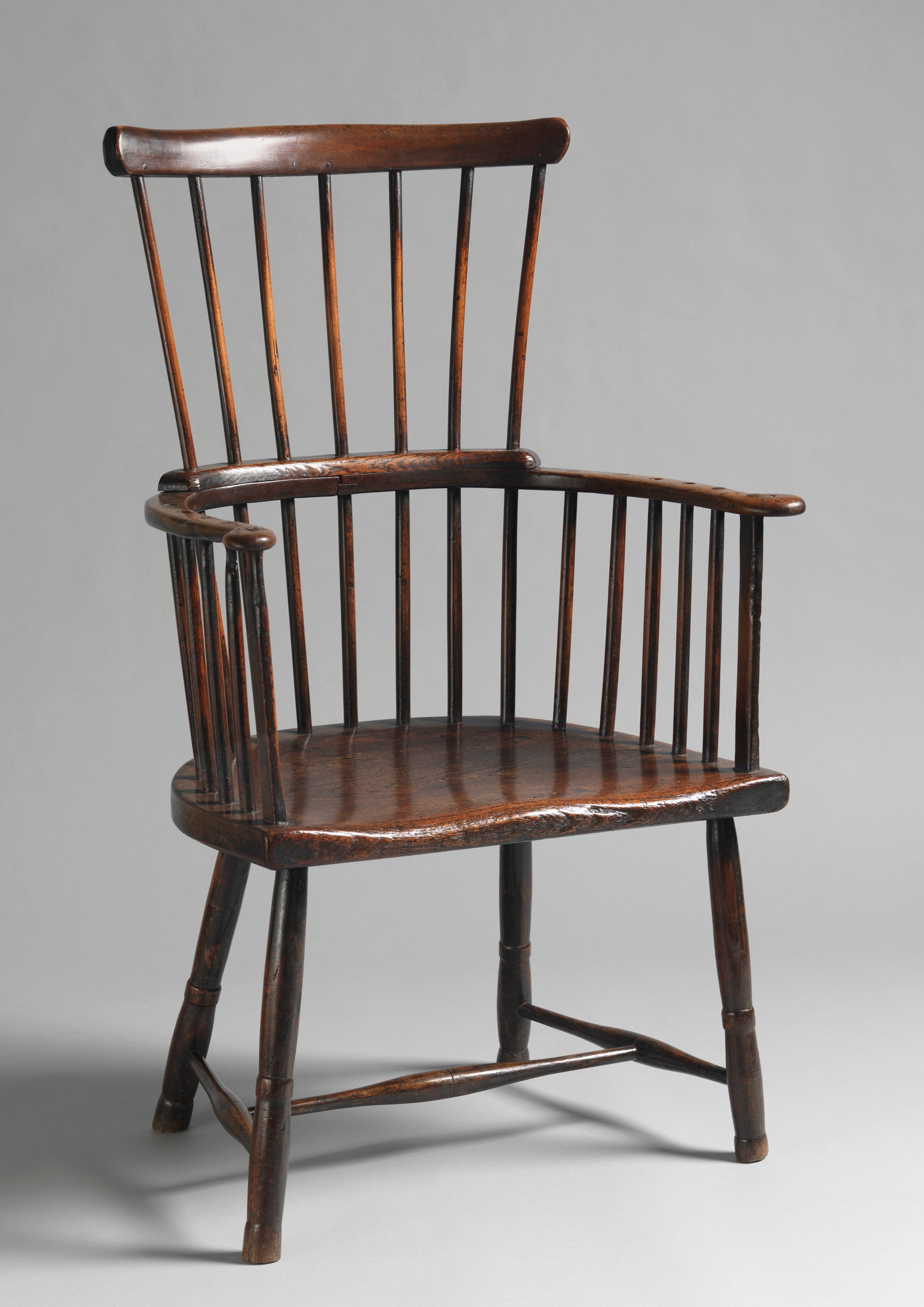 Broad Comb Back Windsor Armchair