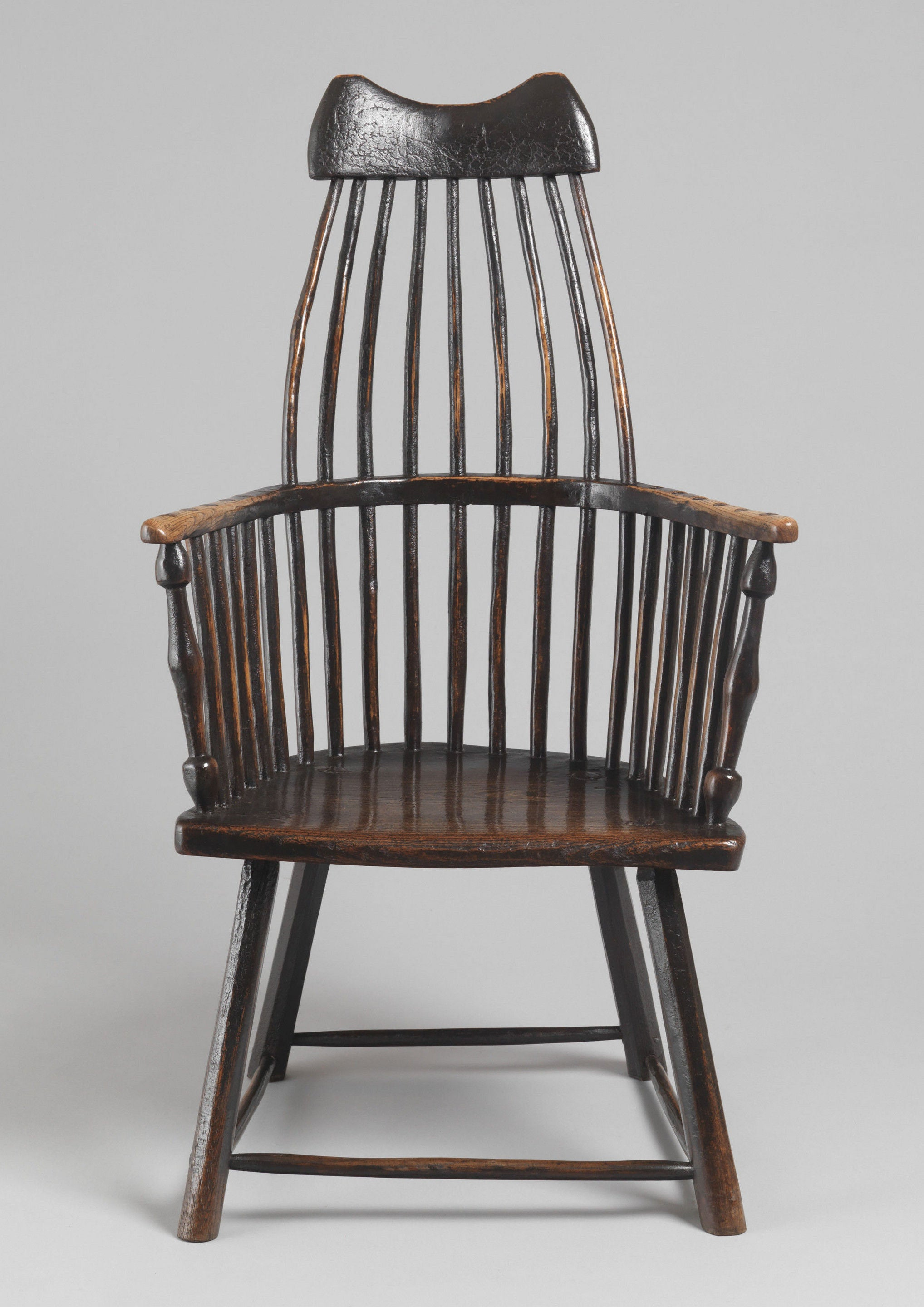 Fine 'Lobster Pot' Form Windsor Armchair