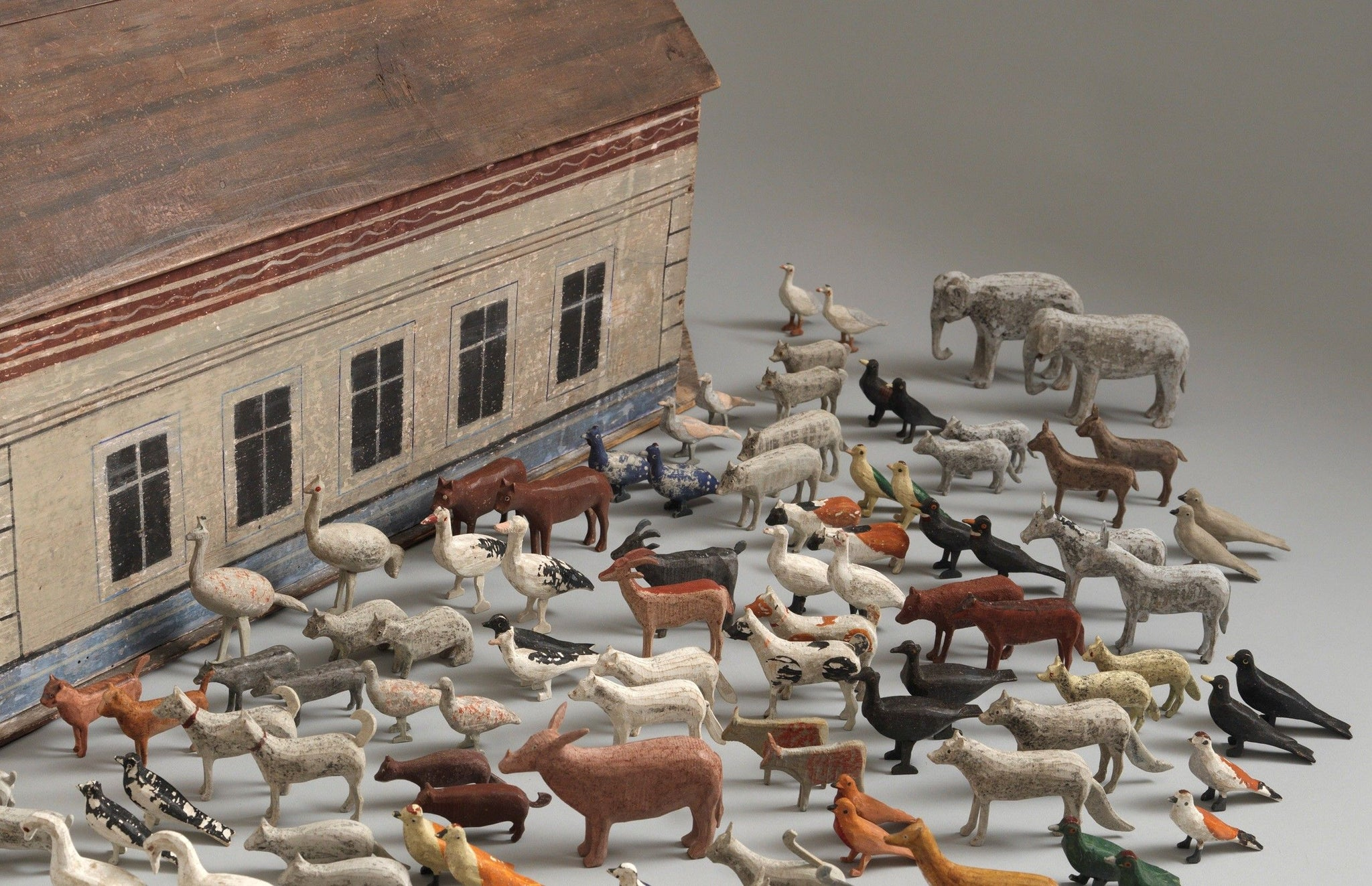 Delightful Naive Toy Noah's Ark Model