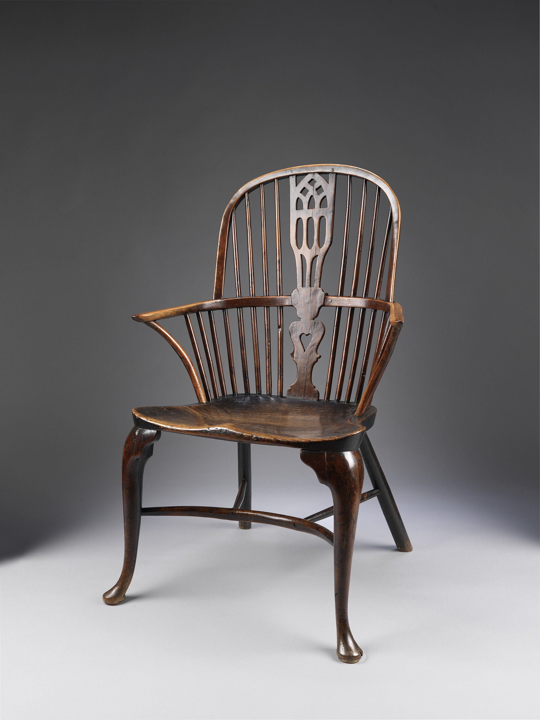 Fine Cabriole Leg Windsor Bow Back Chair