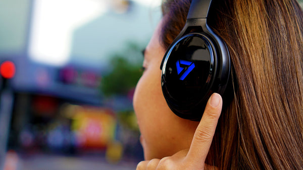 Neon 100 - Steve Aoki's SVN Sound Headphones