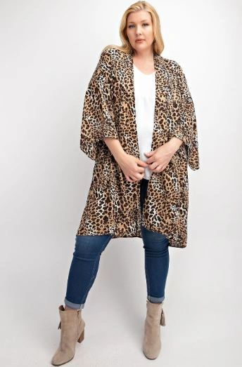 SHE'S IN CHARGE LEOPARD PRINT KIMONO