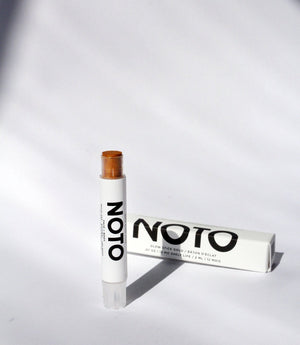 NOTO Botanics Gold Glow Stick natural makeup for highlighting cheeks lips and eyes