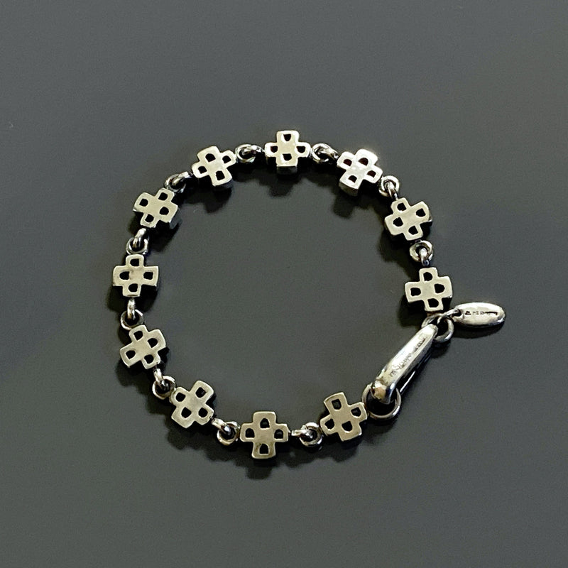 products/bracelet_with_crosses_silver.jpg