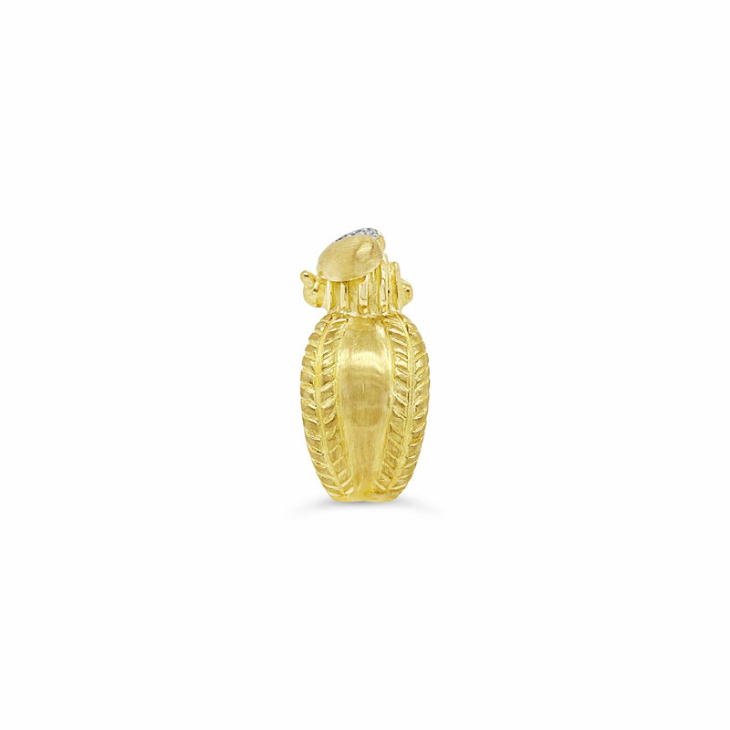 products/classic_gold_bee_ring.jpg